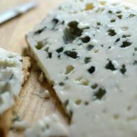 [Fromages] Pour ne pas laisser la croûte à son voisin...ou les secrets de la découpe du fromage.