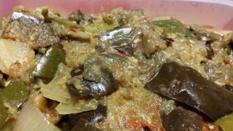 Mijotée d'aubergines, courgettes, oignons, tomates,...