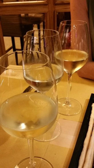 Un verre de vin blanc...Chardonnay...Gewurztraminer...