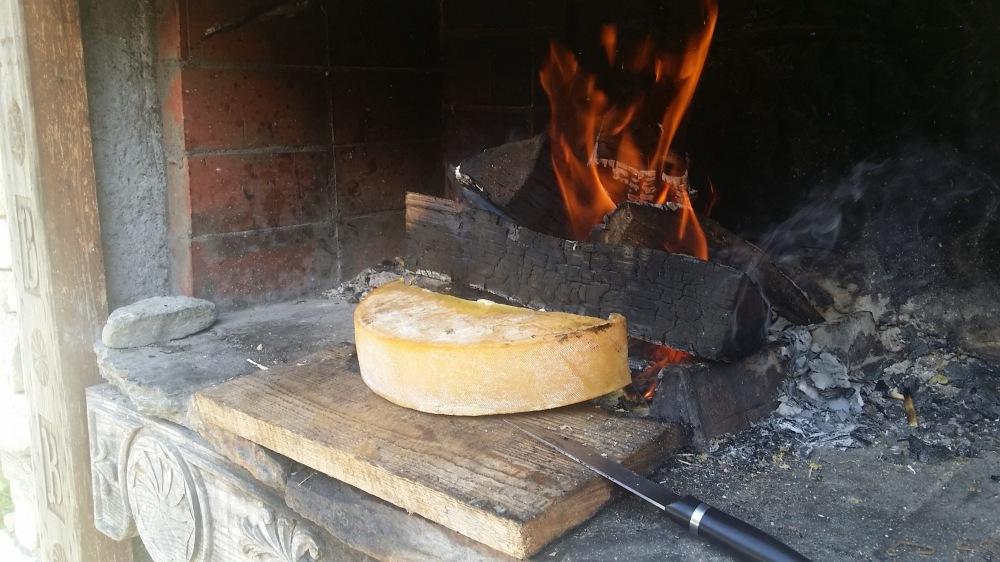 Raclette au feu de bois