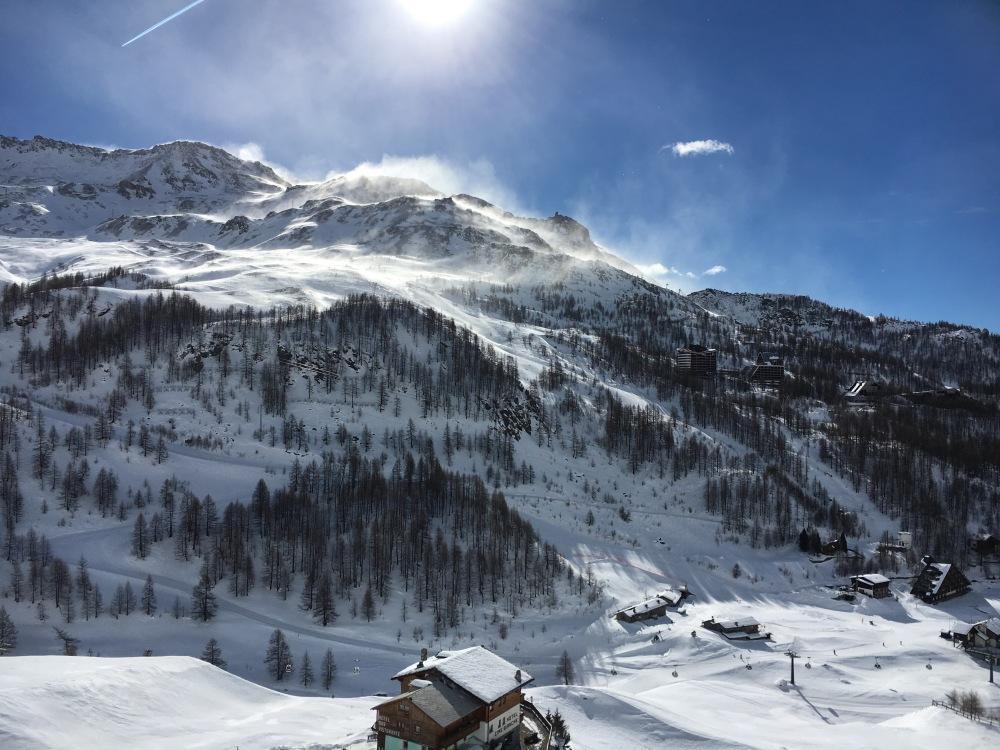 Le Matterhorn White Angel Resort est situé sur les hauteurs de Cervinia