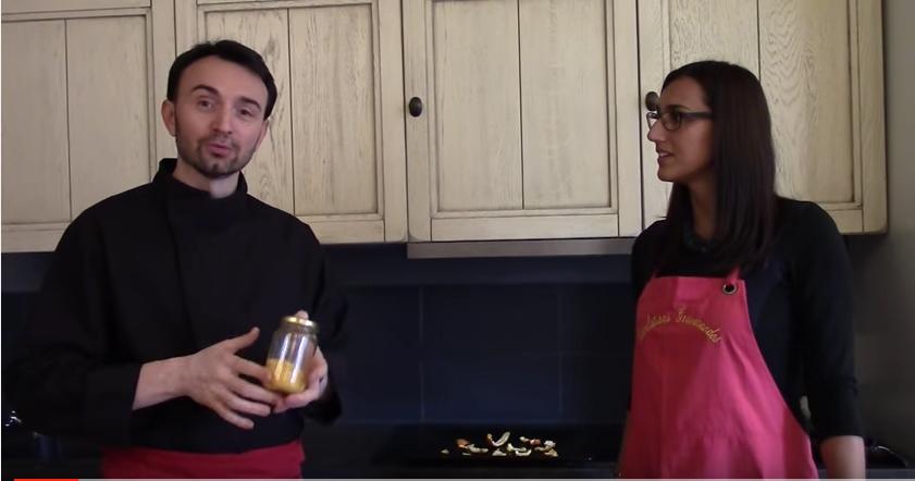 """""""Deux guignols en cuisine!"""""""