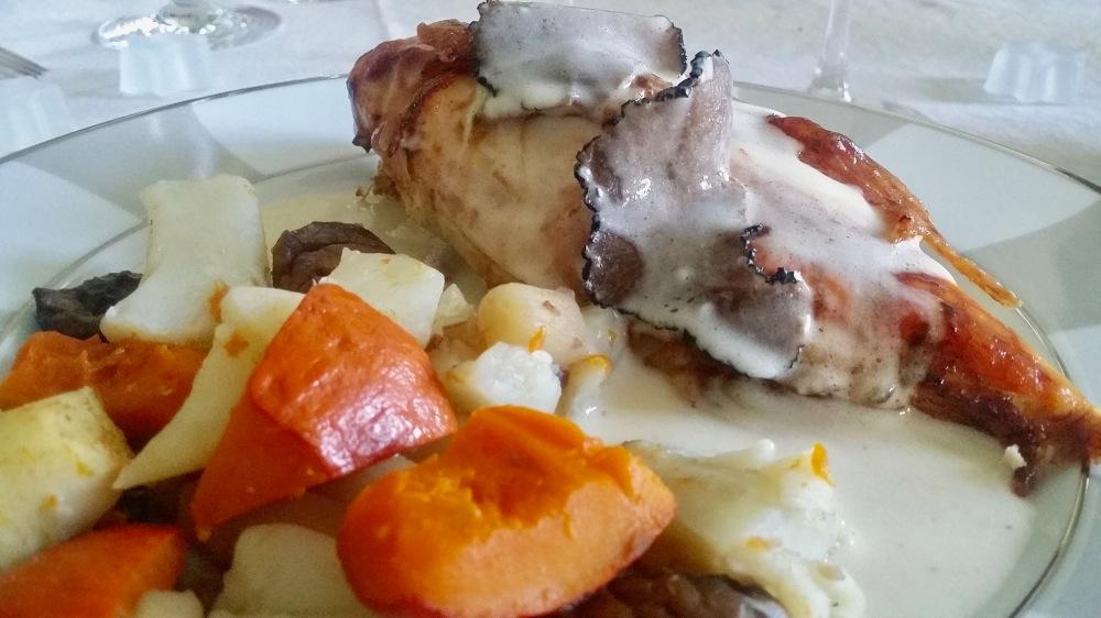 Chapon sauce suprême à la truffe...et potimarron.
