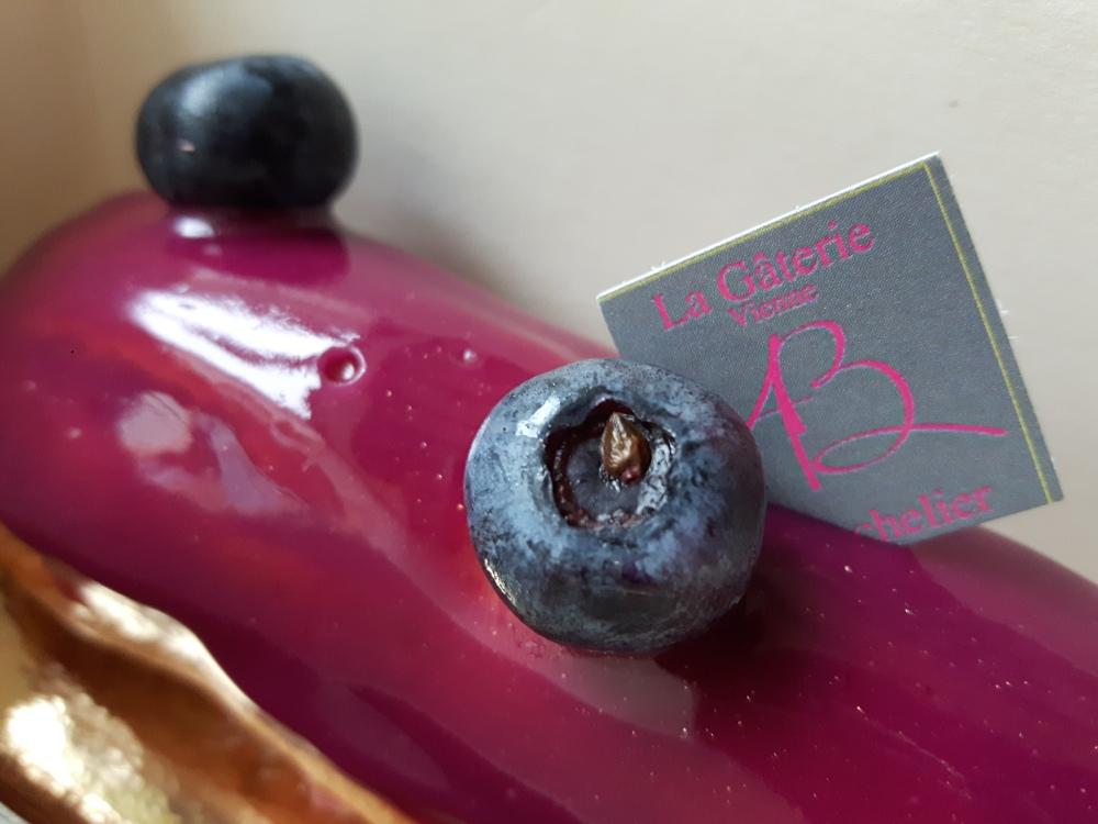 Eclair cassis violette...(Adrien Bachelier).