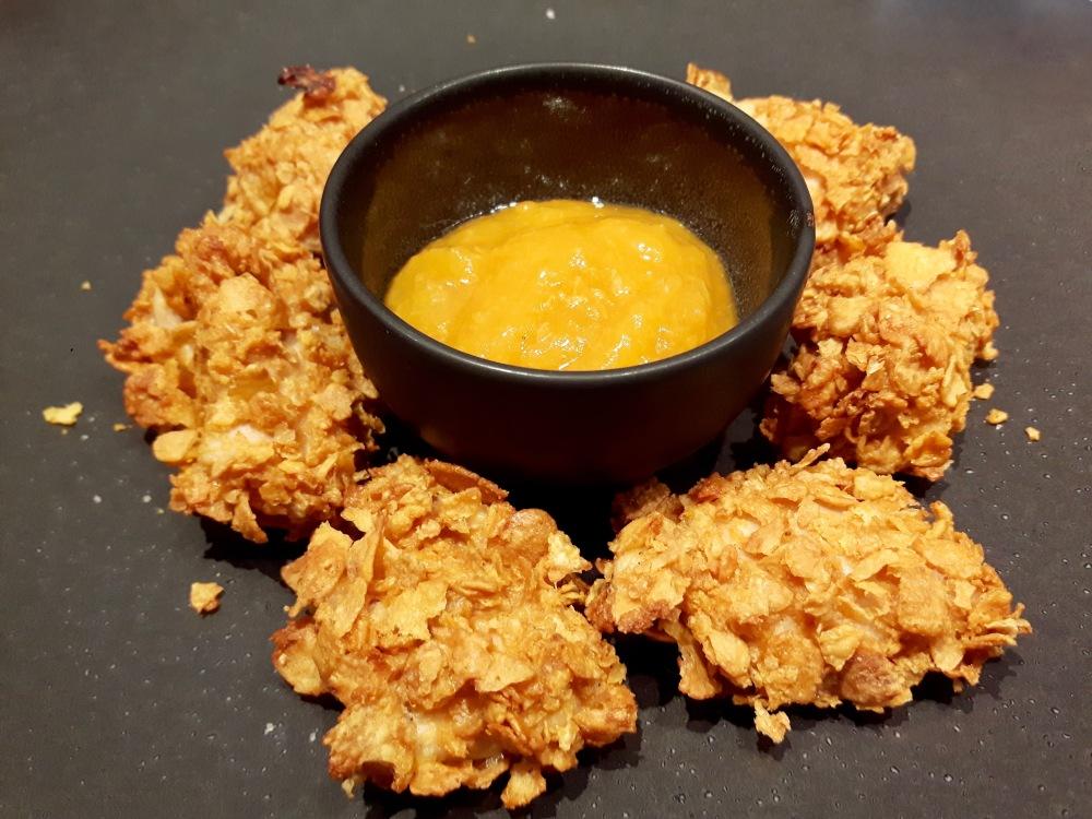 """Nuggets au poulet sauce """"Maque Dô""""."""