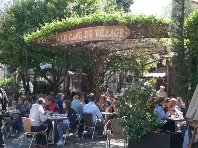 On chine l isle sur la sorgue les gourmands disent - Le jardin du quai isle sur la sorgue ...