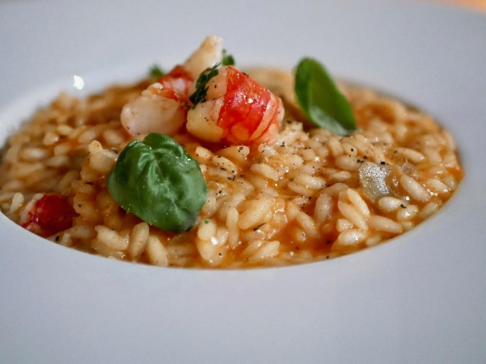 Un risotto aux artichauts et gambas.