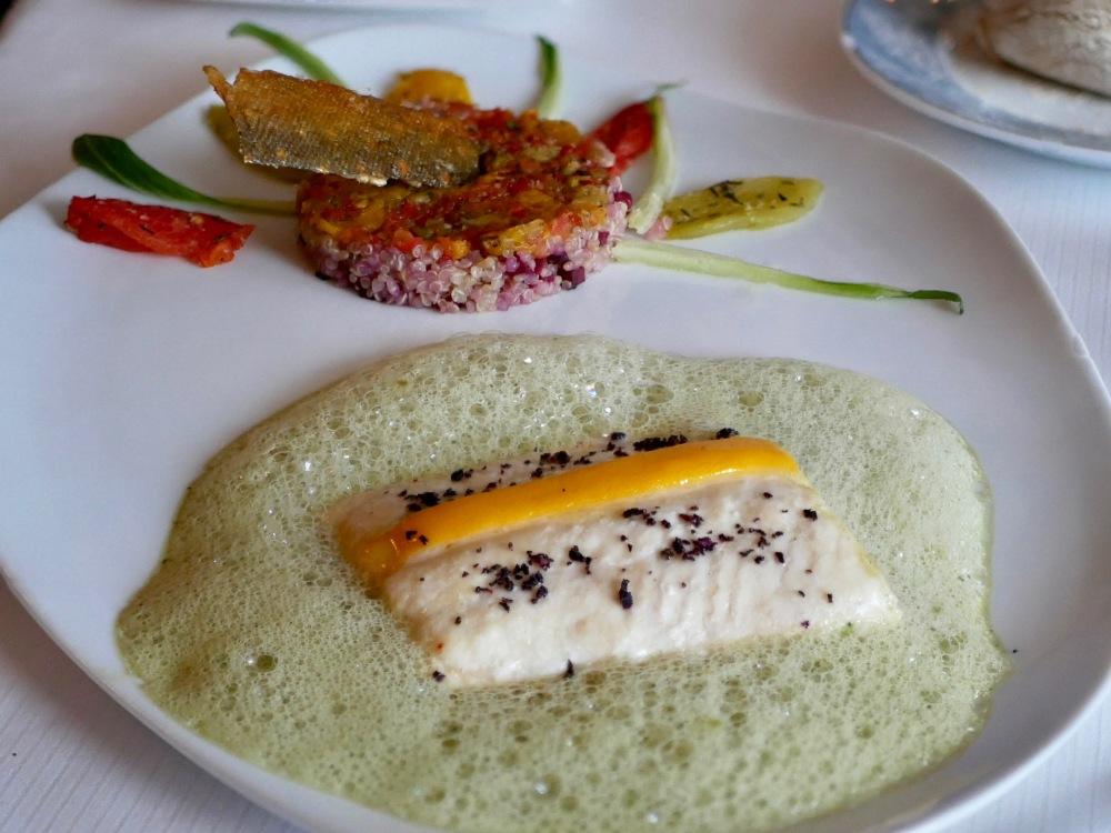 Le Shrei de Norvège, écume gourmande de cresson, quinoa biologique et multicolore de légumes.