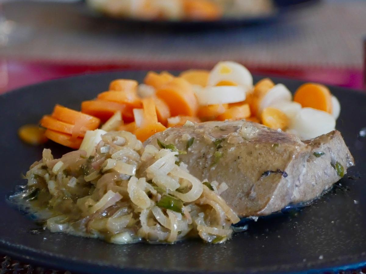 [Amateurs d'abats!][Inspiration Bernard Loiseau] Pavé de foie de veau en cocotte. Sauce aux échalotes et à l'estragon.